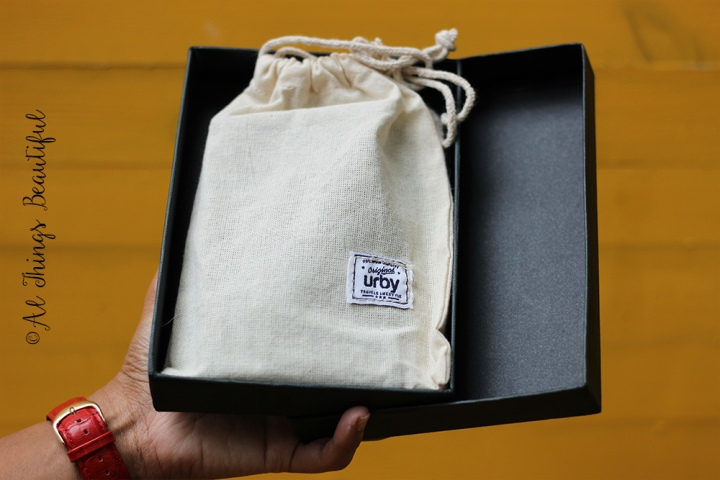 Urby_passport_holder1